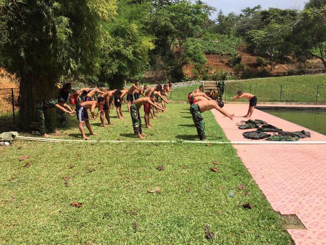 Pembinaan Fisik Prajurit Yonif 751/R Menunjang Seleksi Tes Secaba Reg Ta 2016