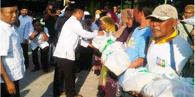 300 paket Sembako untuk Masyarakat Desa Jarorejo Kec. Kerek Kab. Tuban