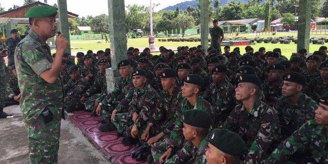 Kunjungan Danrem 173/ PVB ke Batalyon infanteri 751/R dalam rangka melihat kesiapan kompi Satgas Pamrahwan tahun 2015