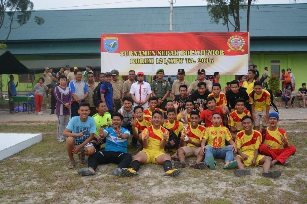 Kasrem 121/Abw Tutup Turnamen Sepak Bola Yunior