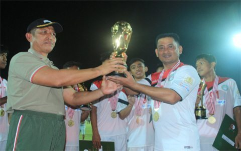 Dandim 1006/Mtp Berhasil Membawa Martapura FC Menjuarai Piala Pangdam VI/Mlw Cup I 2015