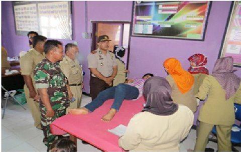 Danramil 0904-02/Paser Blengkong Melaksanakan TNI Manunggal KB Kesehatan