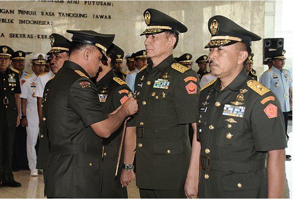 Panglima TNI Pimpin Sertijab Aster Panglima TNI dan Kapuspen TNI