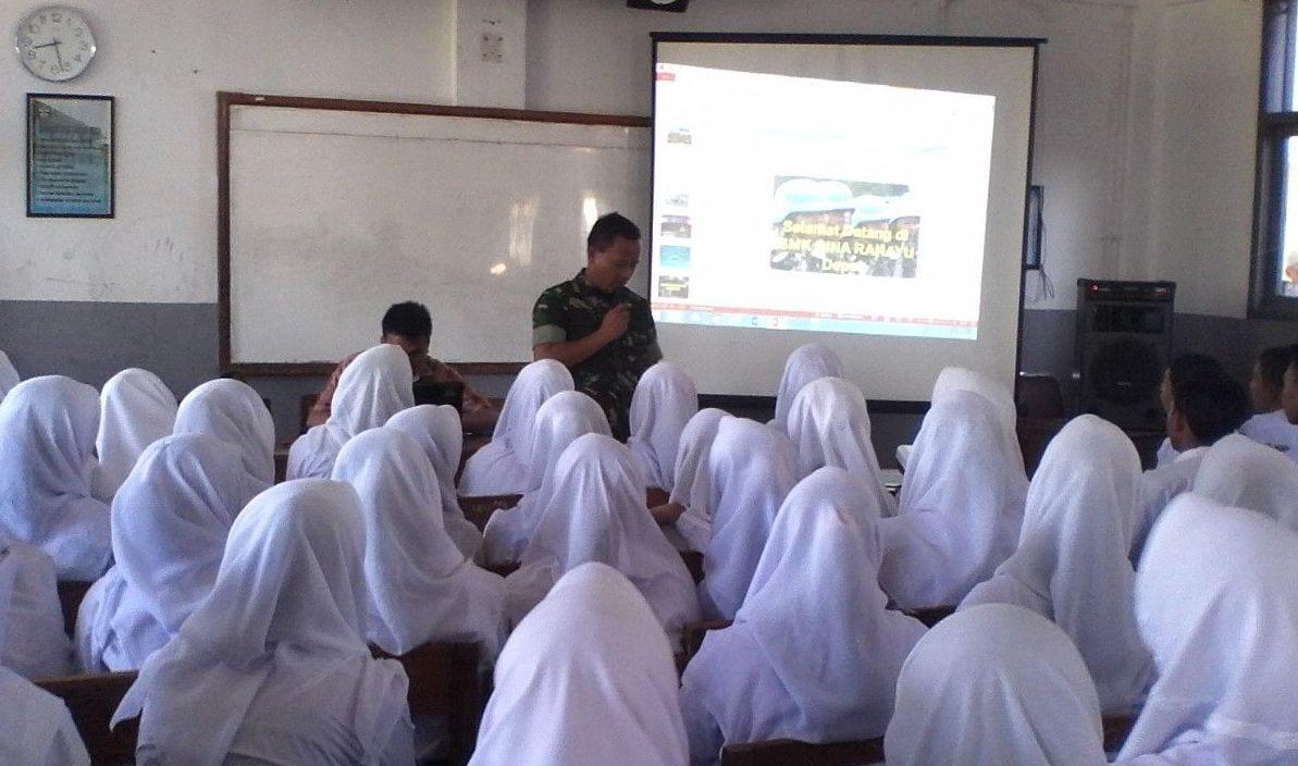 Danramil 05 Sawangan Berikan Materi Bela Negara Di SMK Bina Rahayu