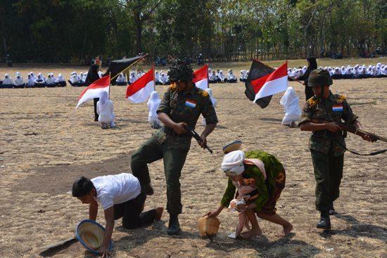 Lestarikan Budaya Bangsa Indonesia Lewat Pagelaran Drama Kolosal Koramil 0811- 5 / Rengel Dan 0811- 17 /Senori