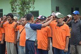 Pekerja Kebersihan Kelurahan Kebon Bawang Dapat Pelatihan Bela Negara Dari Yonarhanudse-6