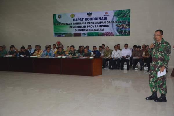 Danrem 043/Gatam Pimpin Rapat Koordinasi Swasembada Pangan Dan Penyerapan Gabah/Beras Pemprov Lampung