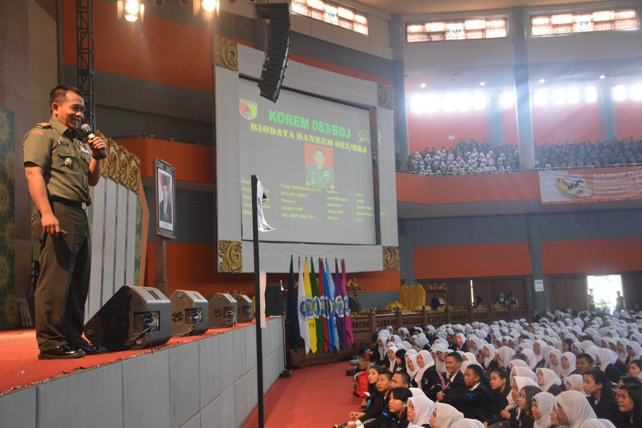Danrem 083/Baladhika Beri Materi Wawasan Kebangsaan Bagi Mahasiswa Baru di Universitas Negeri Malang