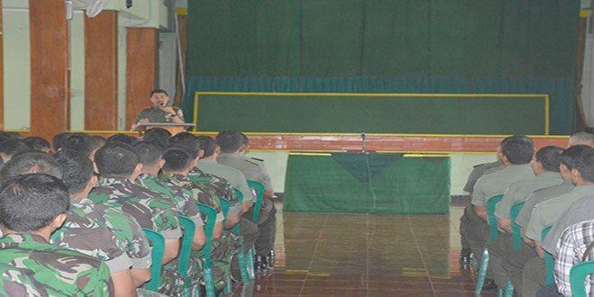 Danrem-081-Kolonel-Inf-Hardani-Lukitanta-Adi-saat-Jan–Komandan-(1)