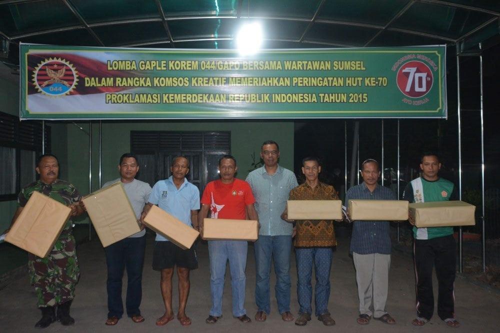 Korem 044/Gapo Lomba Gaple Dengan Wartawan Kota Palembang