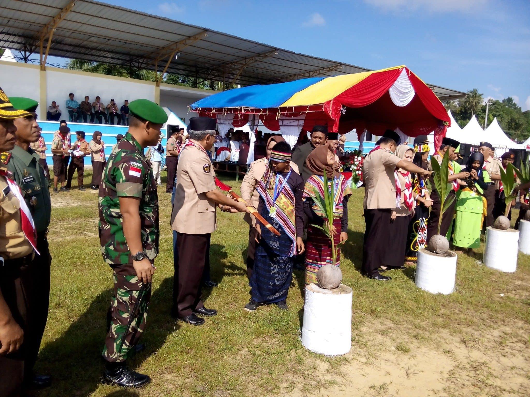 Dansatgas Pamtas Yonif 521/DY Menghadiri Pembukaan Jambore Cabang IV Kalimantan Utara Tahun 2015