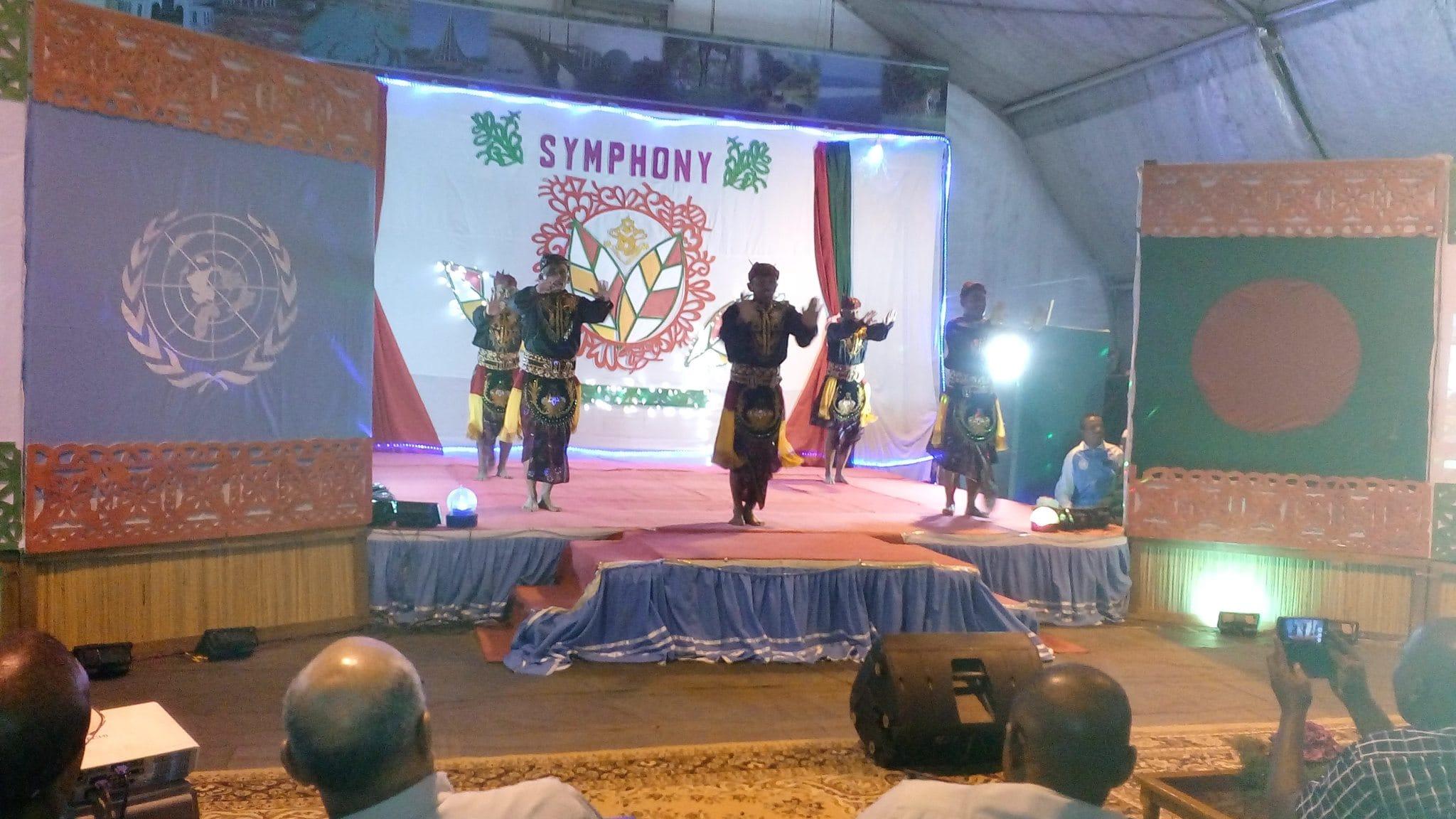 Satgas Kizi TNI Tampilkan Tarian Tradisional Indonesia Dalam Culture Event Di Daerah Misi Democratic Republic Of Congo