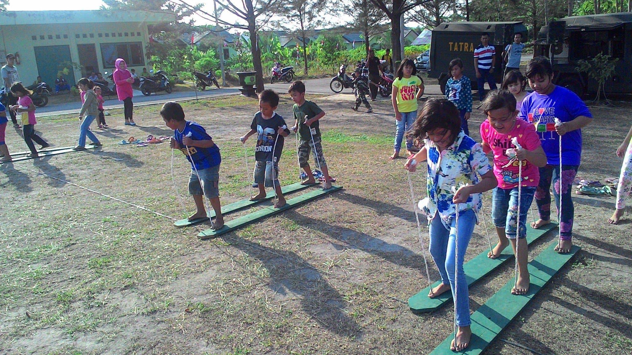 Lomba Anak-Anak Meriahkan HUT ke-70 RI di Makorem 045/Gaya