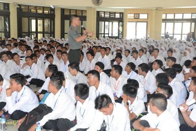 Danrem 162/WB Berikan Materi Bela Negara Kepada Mahasiswa Unversitas Mataram