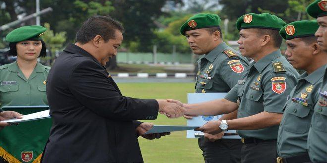 Kepala BNN RI Beri Penghargaan Kepada 5 Prajurit Kodam VI/MLW