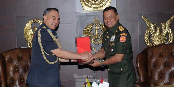 Panglima TNI Terima Kunjungan Brigjen (u) Dato Seri Pahlawan Wardi Abdul Latif