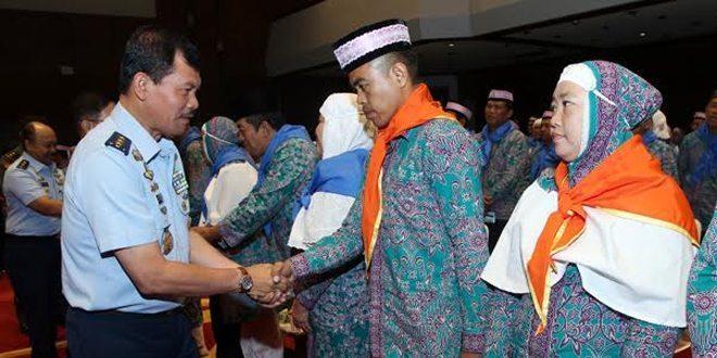 Mabes TNI Berangkatkan 172 Jamaah Calon Haji
