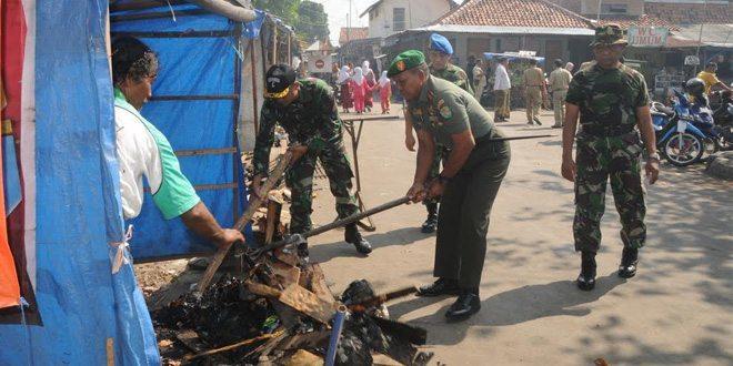 Gerakan Indonesia Bersih Korem 063/Sgj Di Obyek Wisata Religi Sunan Gunung Jati Cirebon
