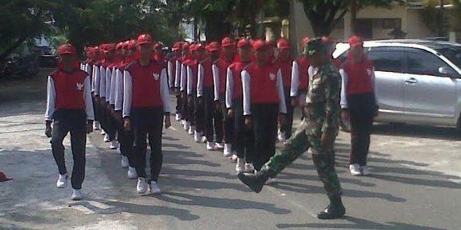 Babinsa Koramil Kodim 0105/Aceh Barat Melatih Paskibra