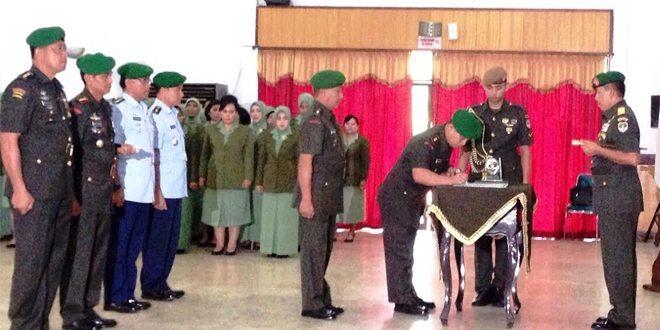 Pangdam Jaya Pimpin Sertijab Pejabat Kodam Jaya Dan Berharap Segenap Pejabat Baru Di Kodam Jaya Dapat Maksimal Dalam Bertugas