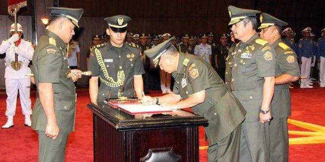 Jabatan Danjen Akademi TNI dan Kabais Diserahterimakan