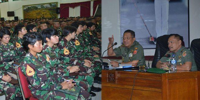 Taruna/Taruni Akmil Terima Kuliah Umum Dari Danjen Akademi TNI