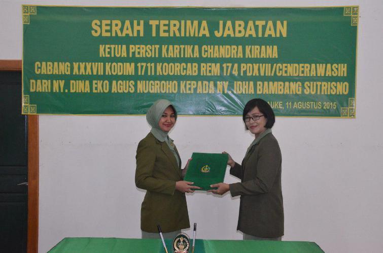 Jabatan Ketua Persit KCK Cabang XXXVII Kodim 1711/BVD Di Serah Terimakan