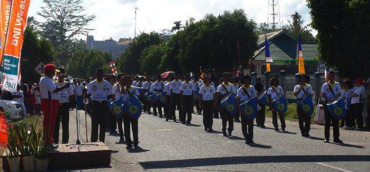 Kodim 1703/Manokwari Gelar Gerak Jalan Santai Sambut Peringatan HUT Kemerdekaan RI Ke-70