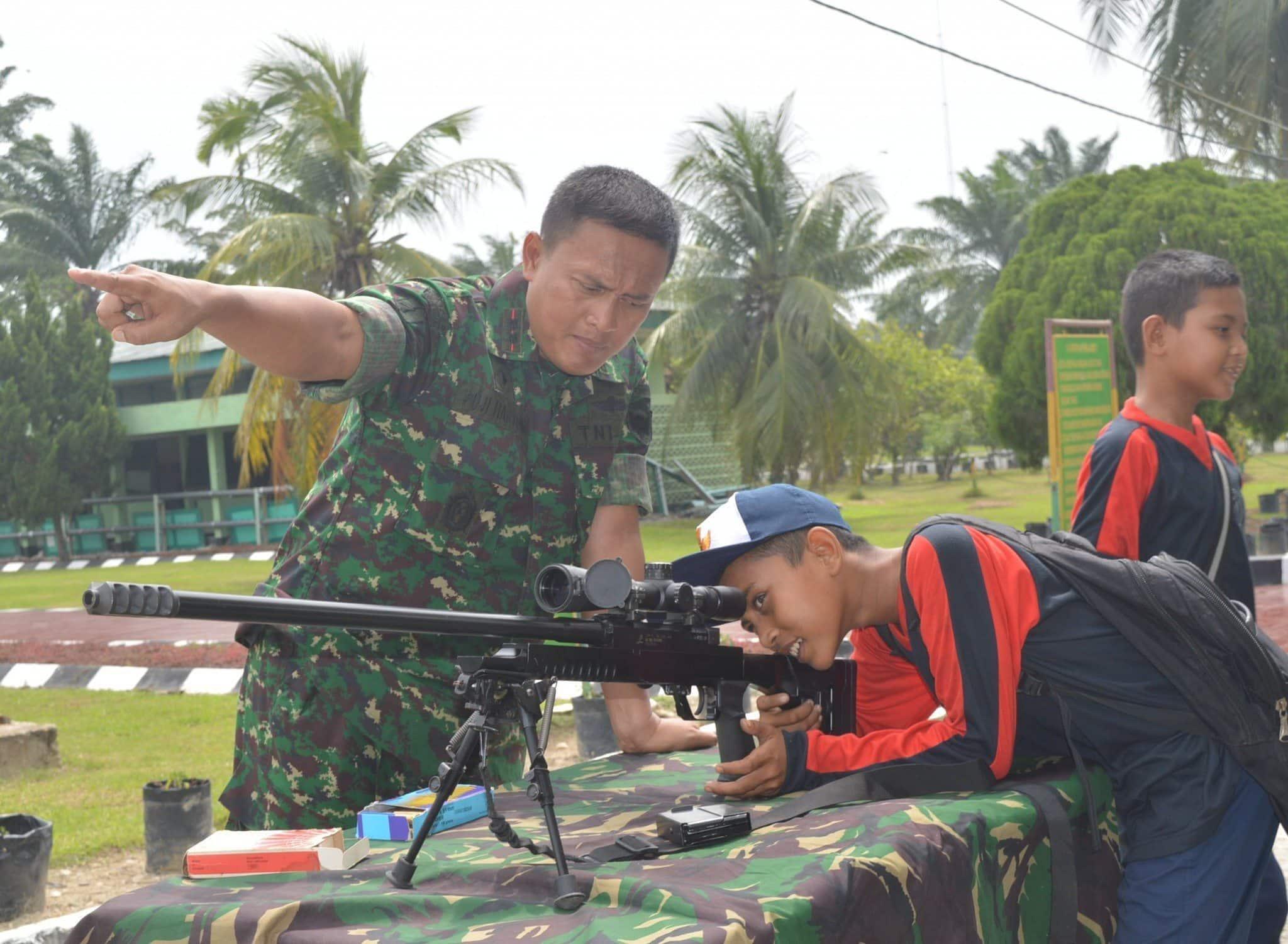 SMP N 1 Seruwai Study Tours di Batalyon 111 Raider