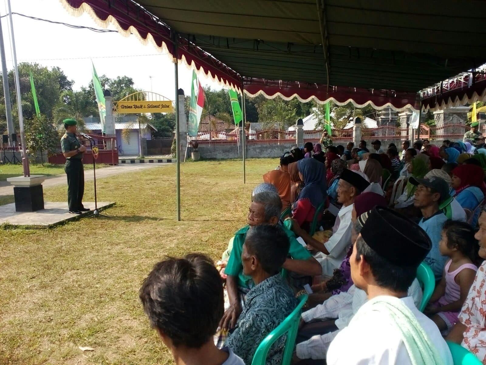 TNI Segarnizun Mataram Gelar Pengobatan Masal