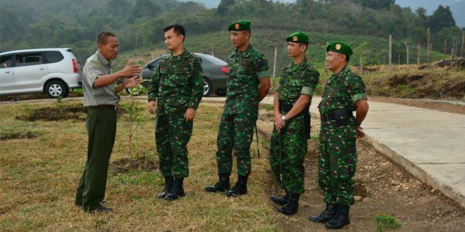 Pelaksana Harian Danrem 032/Wbr Kunjungi Balai Pembibitan Ternak Sapi Unggul Payakumbuh