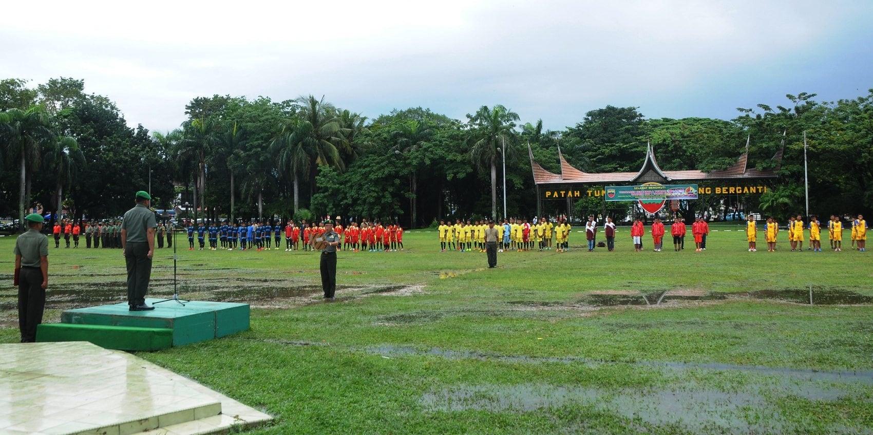 Tournamen Sepak Bola Yunior U 13-15 Danrem Cup se-Sumatera Barat Dibuka