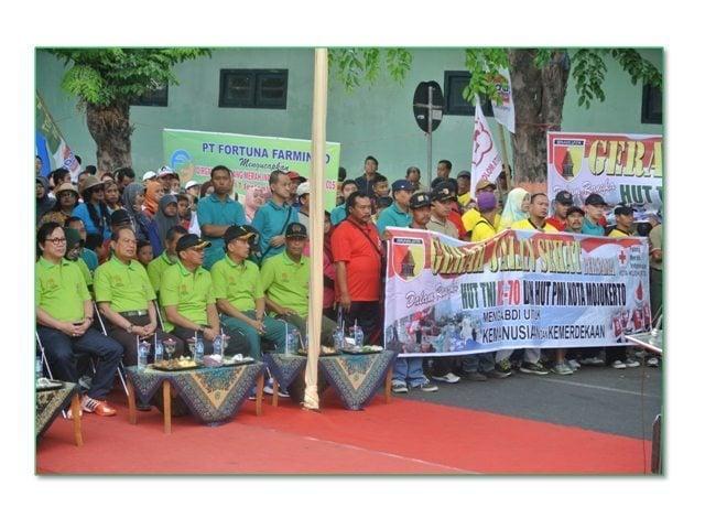 Jalan Sehat HUT TNI ke – 70 dan HUT PMI Kota Mojokerto
