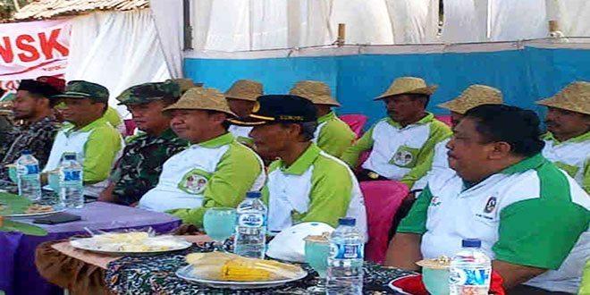 Kodim Tuban Bersama Dinas Pertanian Canangkan Tanam Padi Di Ds. Kradenan Kec. Palang
