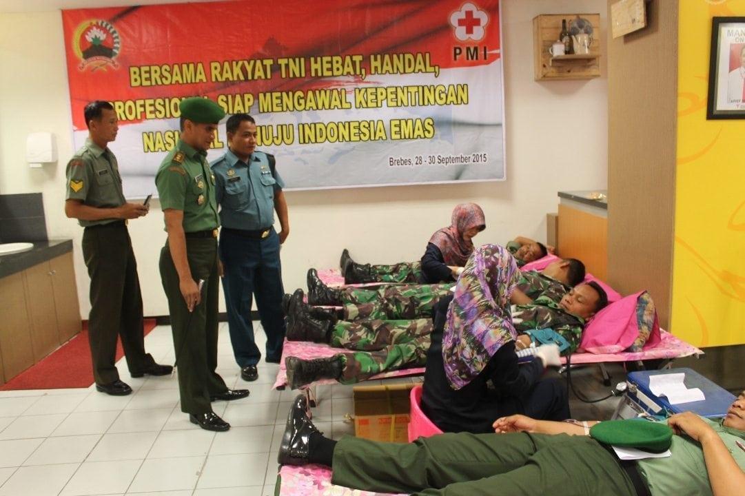 Kodim 0713/Brebes Gelar Donor Darah Dalam Rangka HUT TNI Ke 70 Dan HUT Kodam IV/Diponegoro Ke 65 Tahun 2015