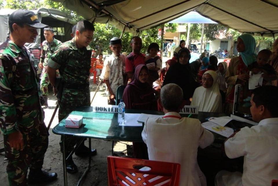 Kodim 0107/Asel Melaksanakan Bhaksos Dalam Rangka HUT ke-70 TNI