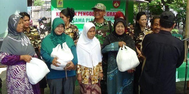 Dalam Rangka HUT TNI KE – 70 Kodim 0736/Btg Mengadakan Pengobatan Gratis Dan Pembagian Sembako
