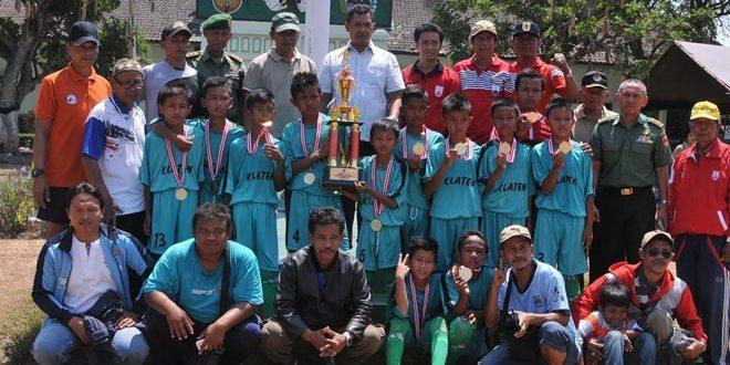 Penutupan Turnamen Sepak Bola U 12 Tahun Danrem Cup