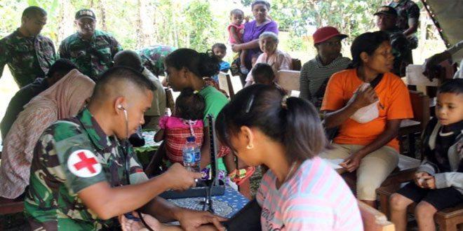 Satgas BKO Yonif 408/Sbh Gelar Pengobatan Massal di Kampung Terpencil