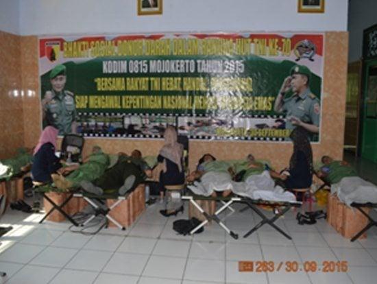 Kodim 0815 Mojokerto Selenggarakan Bakti Sosial Donor Darah Dalam Rangka HUT ke-70 TNI Tahun 2015