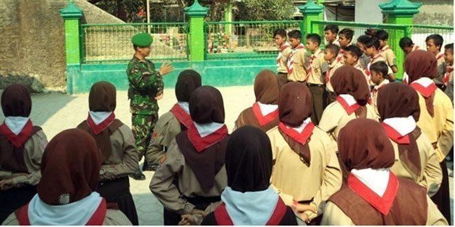 Koramil 08/Alian Siapkan SMP Ma'arif 2 Alian