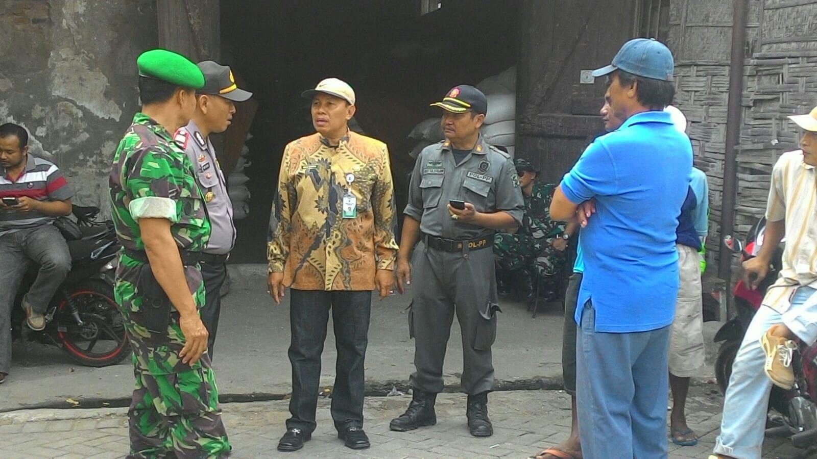 Koramil 0830/03 Pabean Cantian Bersama Muspika Melaksanakan Penertiban Bangli