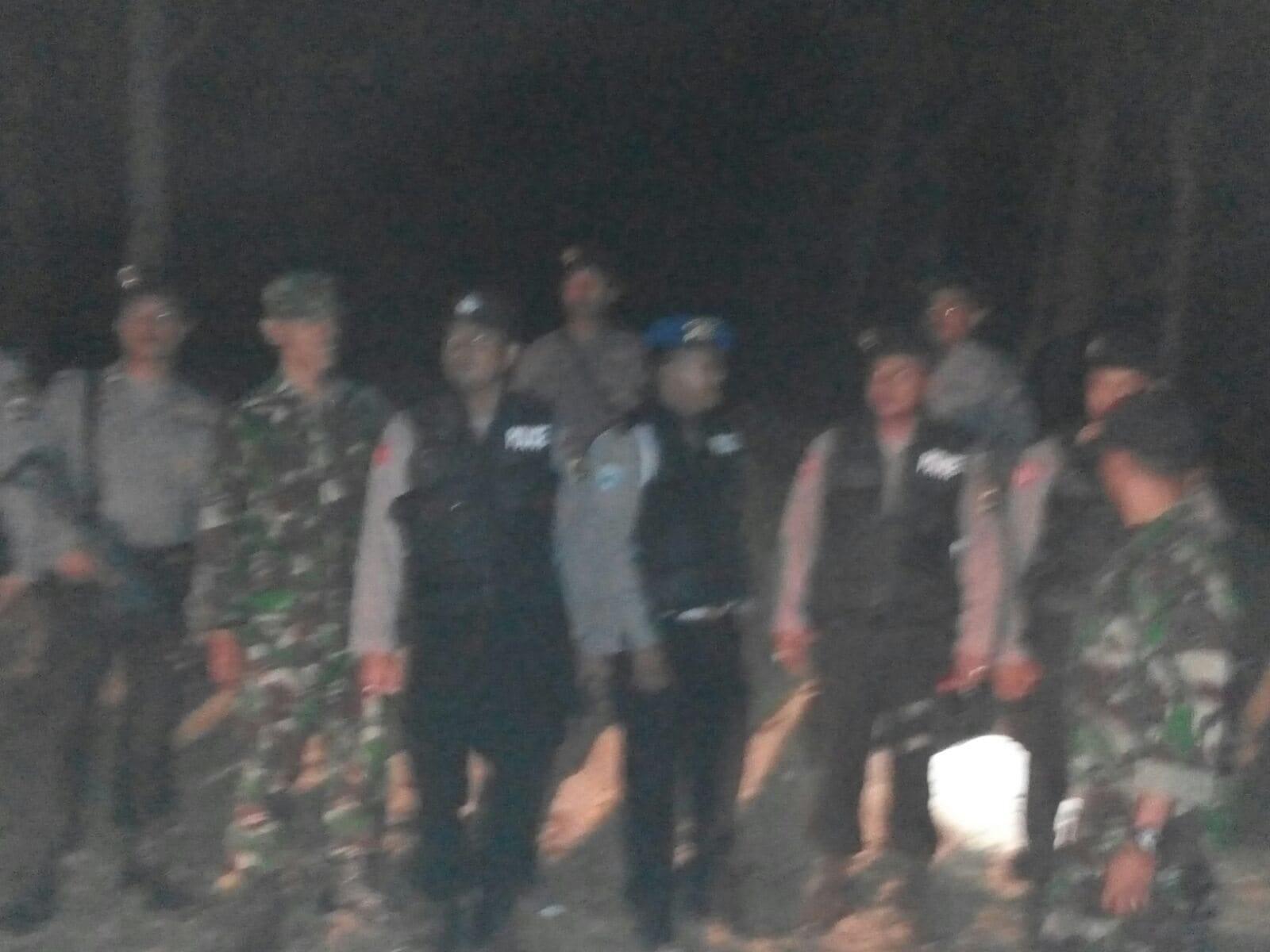 Patroli Gabungan Kodim dan Polres Sumenep, Penambangan Pasir Liar Ditertibkan