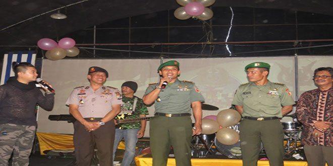 Puncak Peringatan HUT TNI Ke 70 Kodim 0809/Kediri Selenggarakan Malam Kebersamaan TNI Dengan Masyarakat