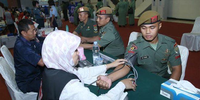 Peringati HUT ke-70, TNI Gelar Donor Darah dan Bazar di Cilangkap