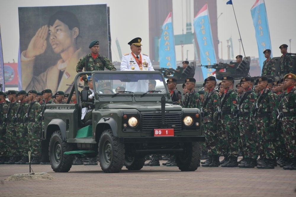 Parade dan Atraksi Militer Meriahkan HUT ke-70 TNI