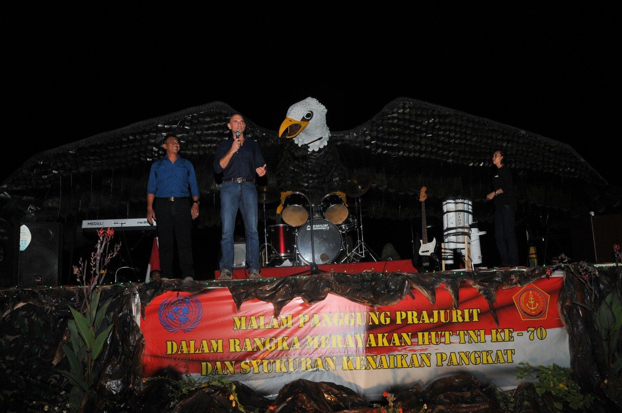Peringatan HUT TNI Ke-70 Prajurit Kontingen Garuda Di Lebanon Gelar Acara Syukuran Dan Malam Panggung Prajurit