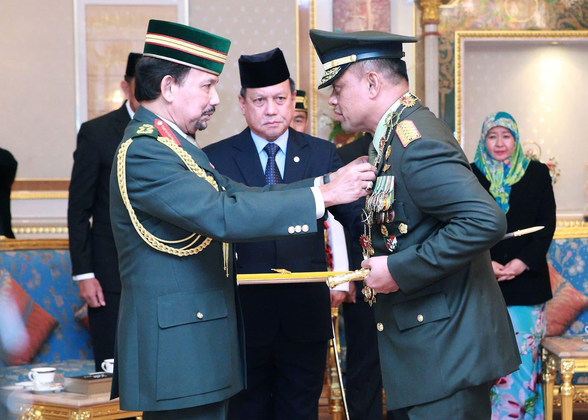Panglima TNI Terima Bintang Kehormatan DPKT Brunei