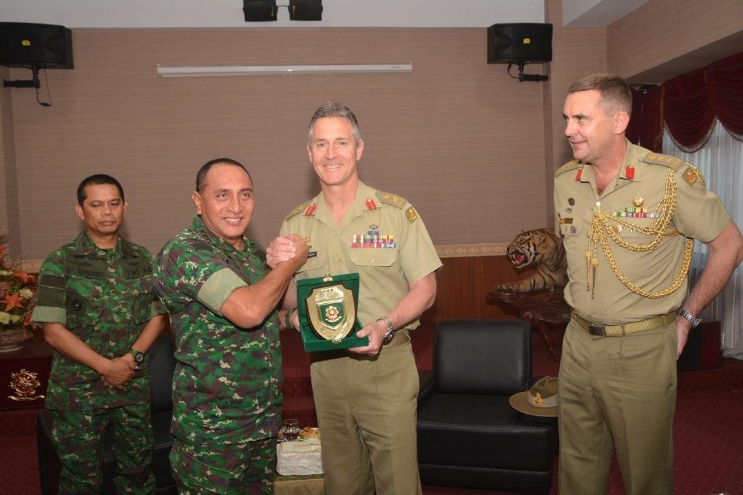 Pangkostrad Terima Kunjungan Kehormatan Komandan Pasukan AD Australia