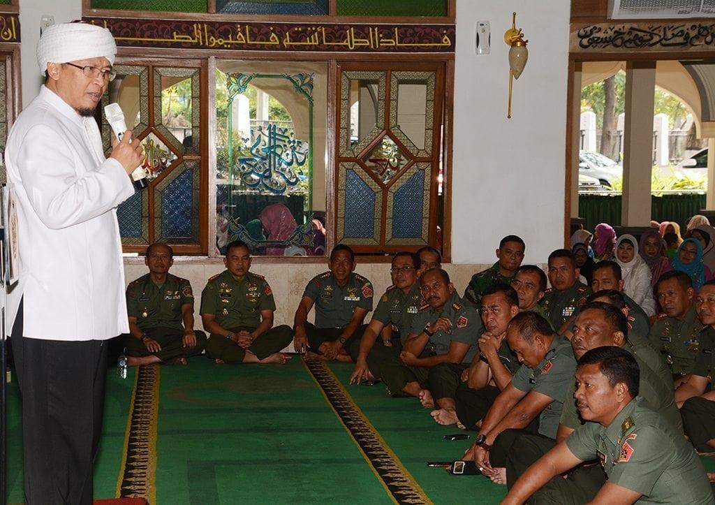 AA GYM Berikan Ceramah 1 Muharram Bagi Warga Kodiklat TNI AD